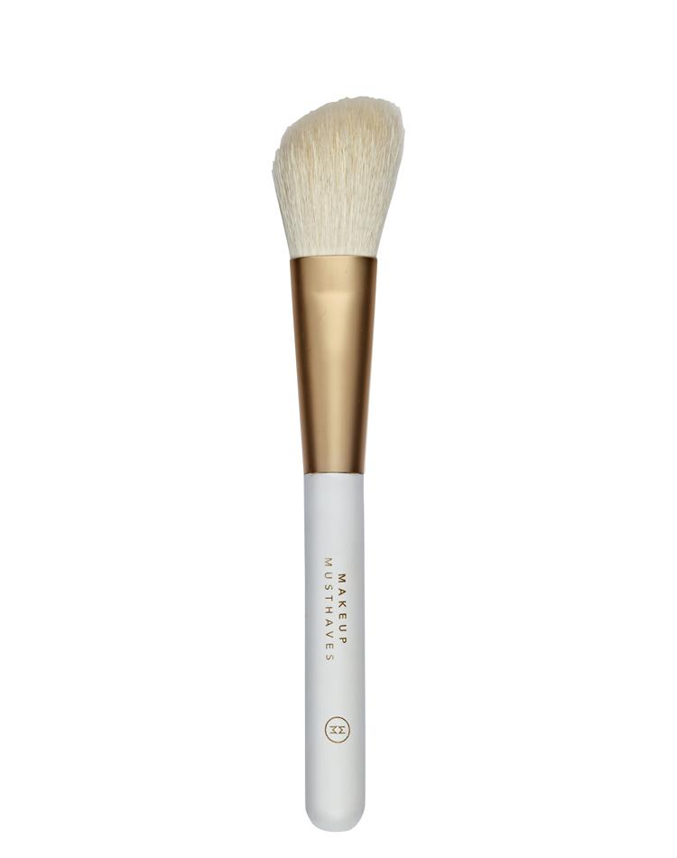 05. Angled Blusher Brush